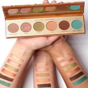 NWOB Natural Goddess eyeshadow palette